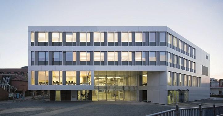 DEU, Kassel, 04/2015, Universtät Kassel Hörsaal Campus Center, Architekt: raumzeit, Bildtechnik: Digital-KB